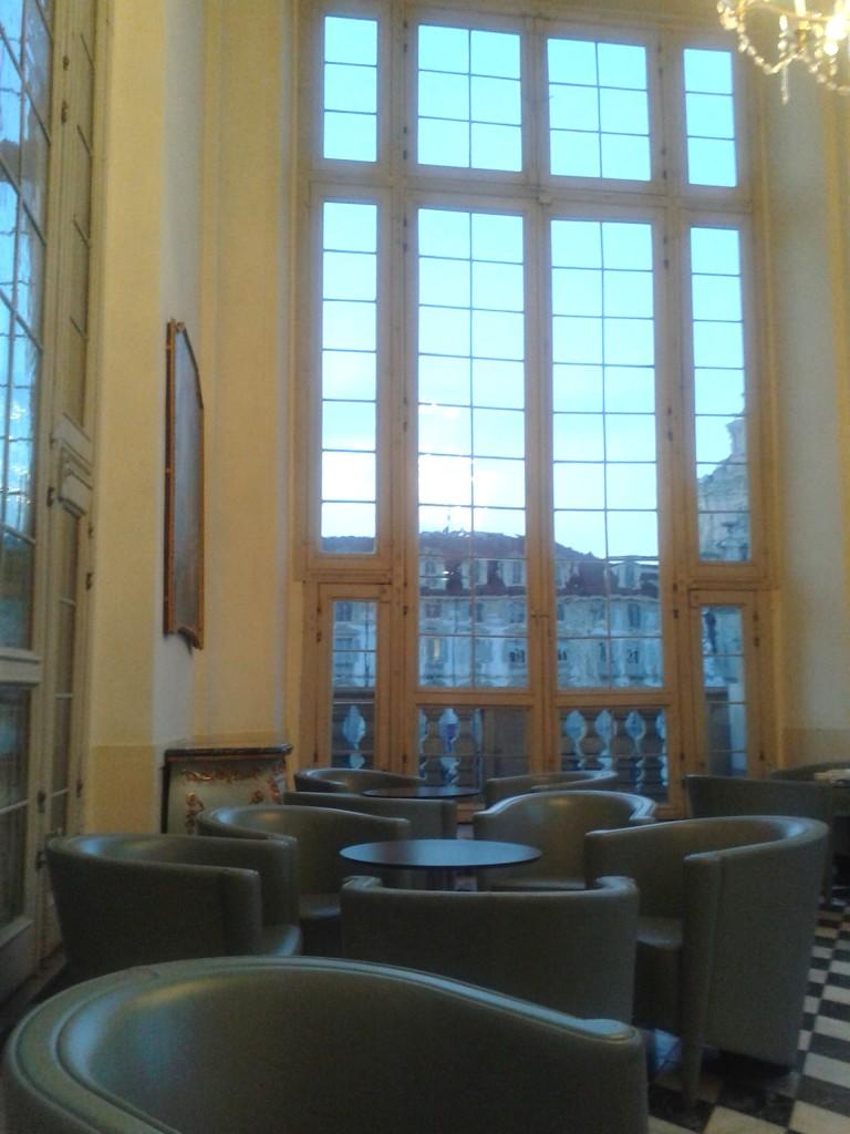 La veranda del caffè Madama a Torino