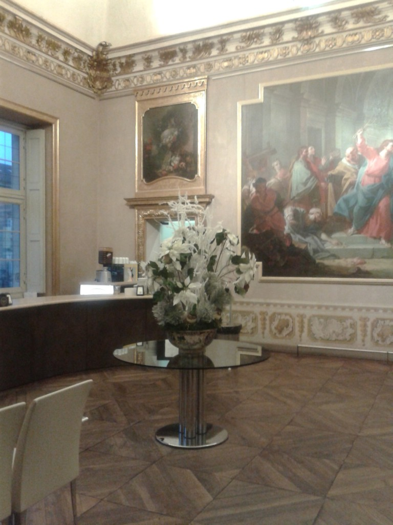 La sala centrale del caffè Madama all'interno di Palazzo Madama a Torino.