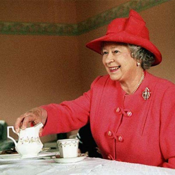queen-elizabeth-tea